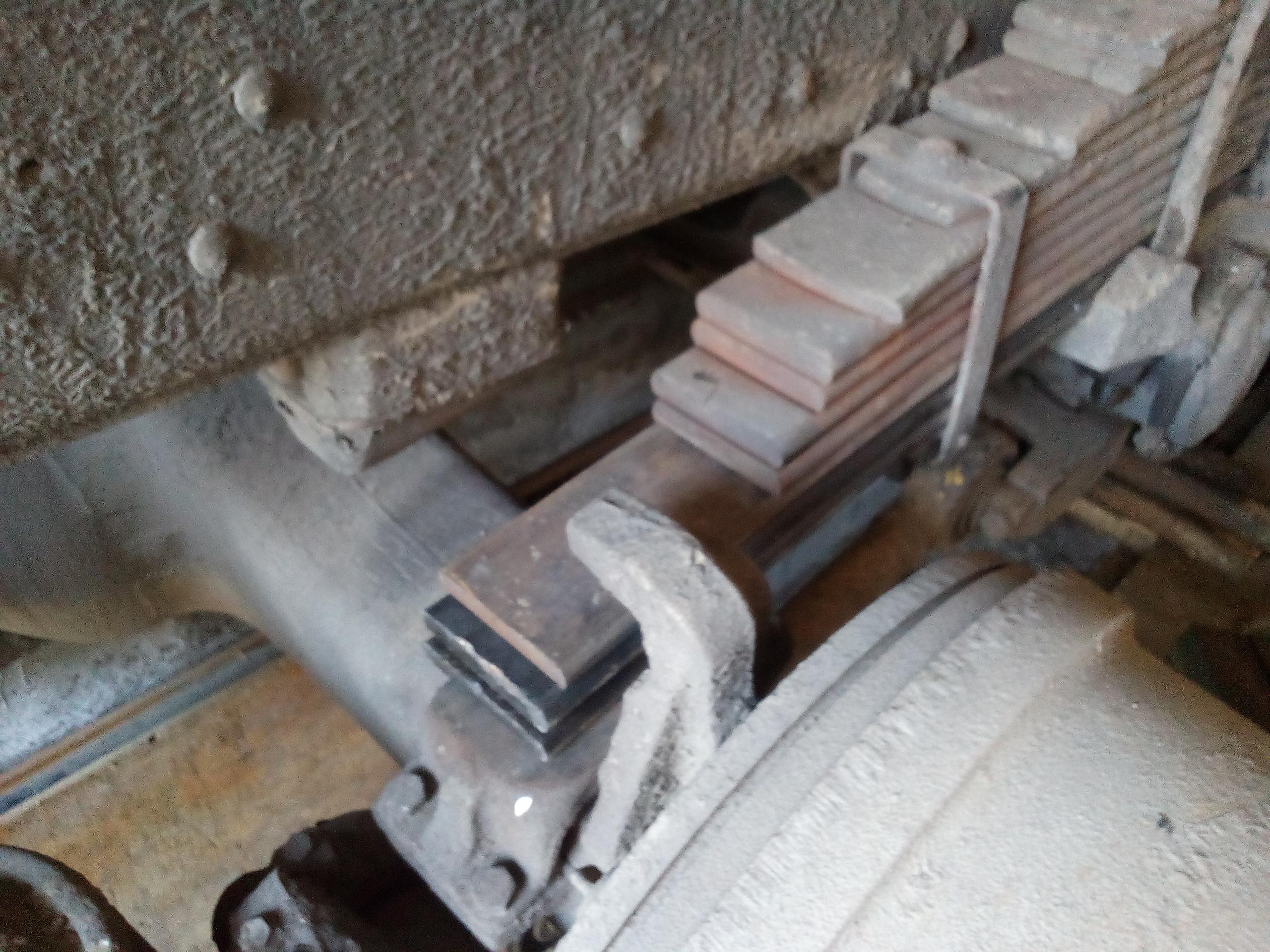 Ремонт рессоры, замена листа рессоры, ремонт подвески